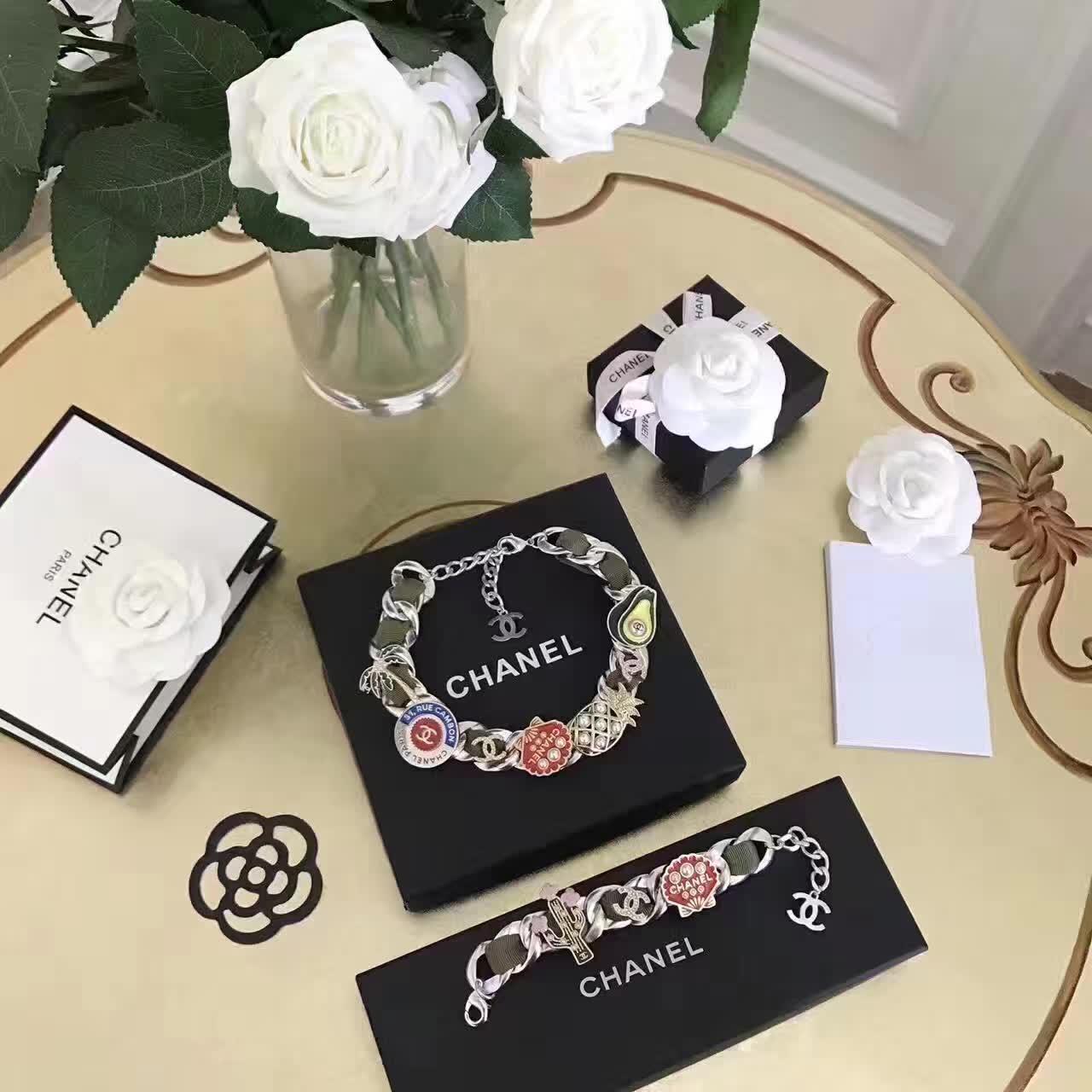 デザイナーのシャネル/Chanelからこの宝石. Number89993